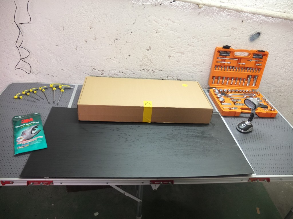 Tavolo da lavoro per il montaggio della Atom 2.0