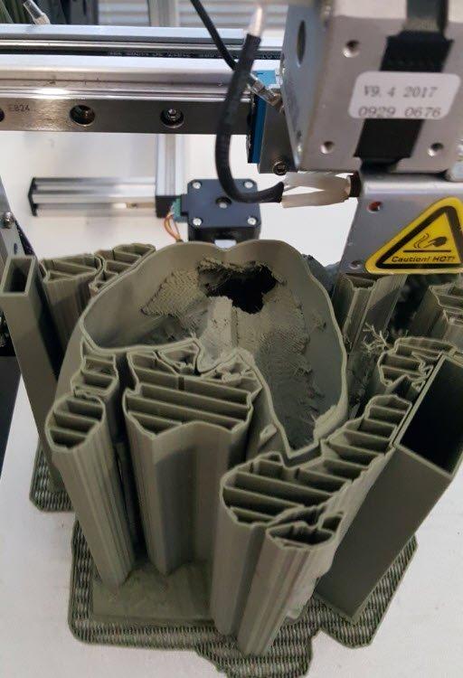 ll modello completamente cavo stampato con PLM